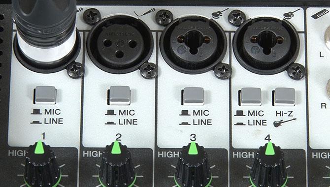 マイク接続の際のスイッチ確認