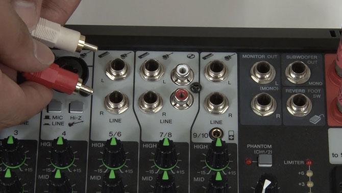 RCAピン・ステレオミニ・フォーン端子接続